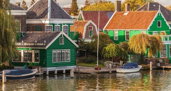 Typical wooden houses Zaanse Schans
